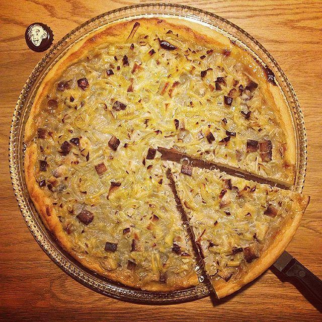 Onion Tart / Zwibbelkuche made by my family 😛 🌱#vegan#dinner#oniontart#zwibbelkuche#carbs#yummy#whatveganseat#vegansofIG#govegan#vegetarian#nomnom#veganism#veganwerdenwaslosdigga#crueltyfree#vegangermany#vegandeutschland#veganfoodshare#veggie#veganfoodporn#foodporn#plantbased#onion#cake#healthy#fitfood#fit#zwiebelkuchen#food  Yummery - best recipes. Follow Us! #veganfoodporn