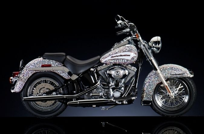 Oh Yes I Will Bling Out My Bike Harley Davidson Motorcycles Harley Davidson Crafts Harley Davidson Night Train