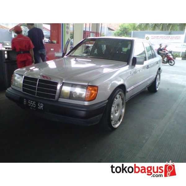 Mercedes Benz 300e Super Antik