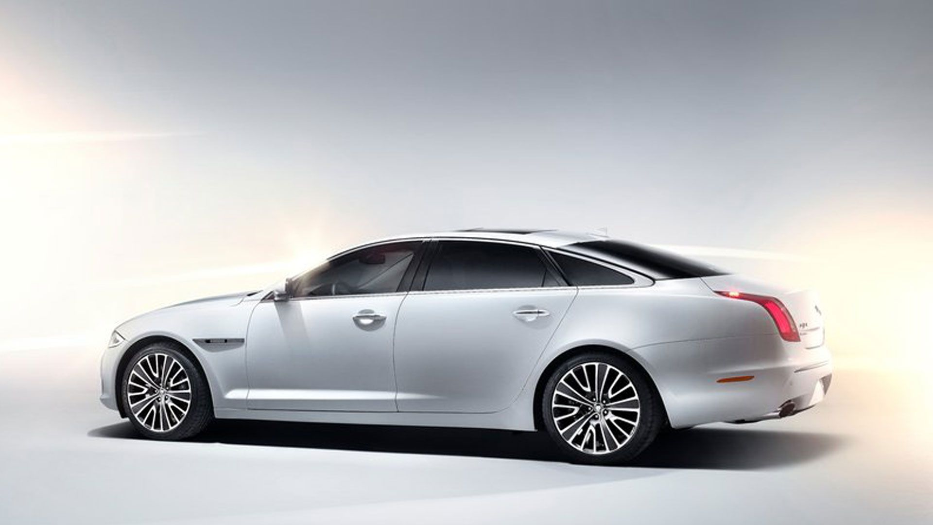 2014 Jaguar | 2014 Jaguar XJ Changes