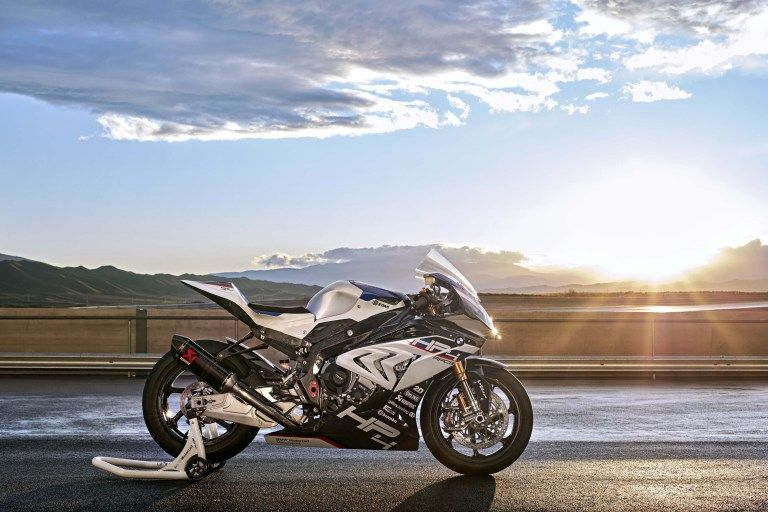 Carbon Fiber Bmw Hp4 Race Debuts In China Motorcycle Bmw Bmw