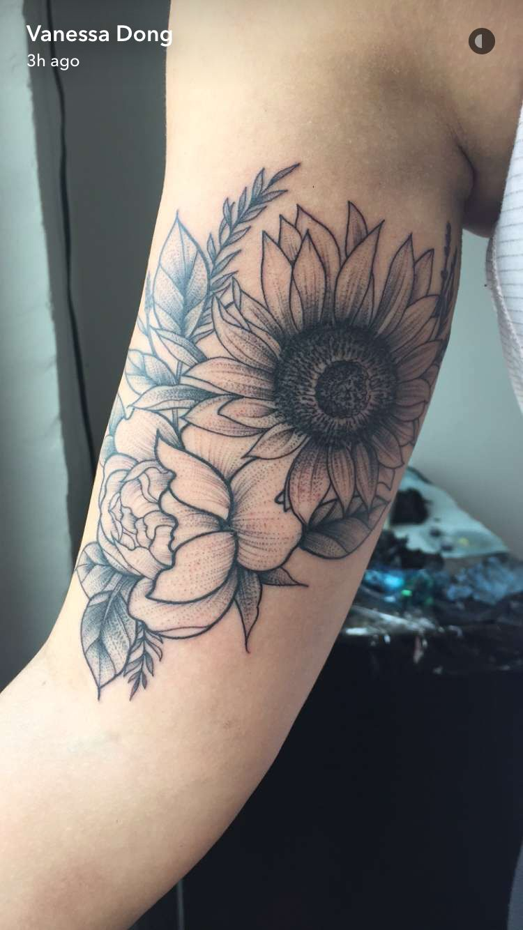 Photo of Floral tattoo by Vanessa Dong [vancouver, BC]