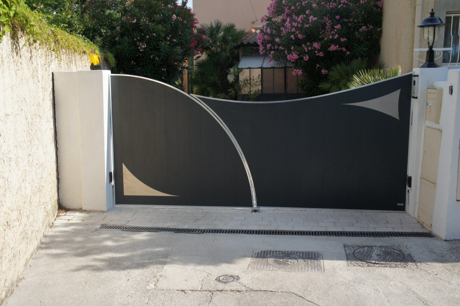 Resultat De Recherche D Images Pour Portail Coulissant Moderne Front Gate Design House Gate Design Gate Design