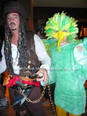 Coolest Homemade Pirate and Parrot Couple Costume  sc 1 st  Pinterest & Coolest Homemade Pirate and Parrot Couple Costume | Costumes