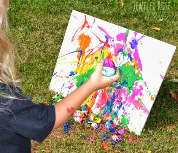 Fine Art By Your Kids Fill Egg Shells With Paint Throw Them At A Blank Canvas Fun For Everyone