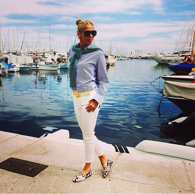 White jeans ( Adriane Galisteu)