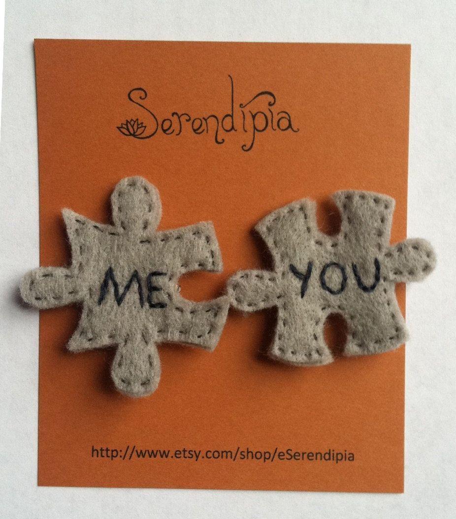 MeYou Jigsaw-Puzzle-Piece Felt Pins. $18.00, via Etsy.    Il giorno per giorno tra San Valentino è considerato una delle mie occasioni preferite a motivo di condividere con la mia ceppo e amici particolari, principalmente da avere in comune per mezzo di i miei figliolanza. Sta cuocendo quelle torte, dolci e biscotti e sta facendo ancora delle belle carte che San Valentino. Ho molte idee a motivo di condividere ... #... #etsy #Felt #gior #JigsawPuzzlePiece #MeYou #Pins #scatola San Valentino