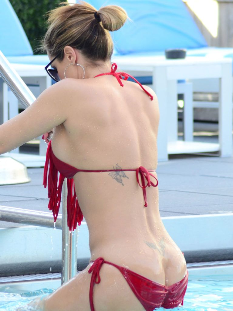 Samantha buxton naked pool