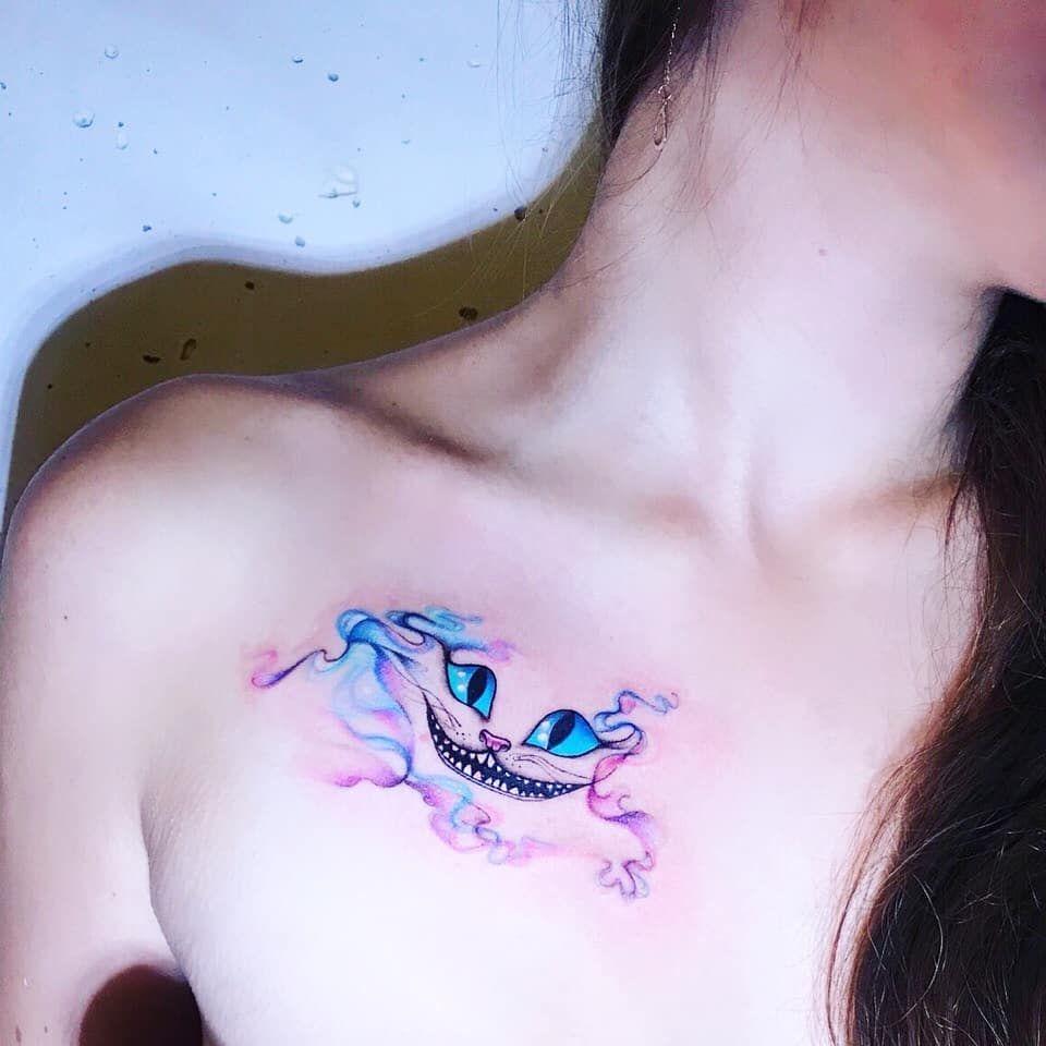 Если Чеширский котулыбается, значит, этокому-нибудь нужно😁  Cheshire 💙🐈 #тату #татуировка #акварель #ink #inktattoo #colortattoo…