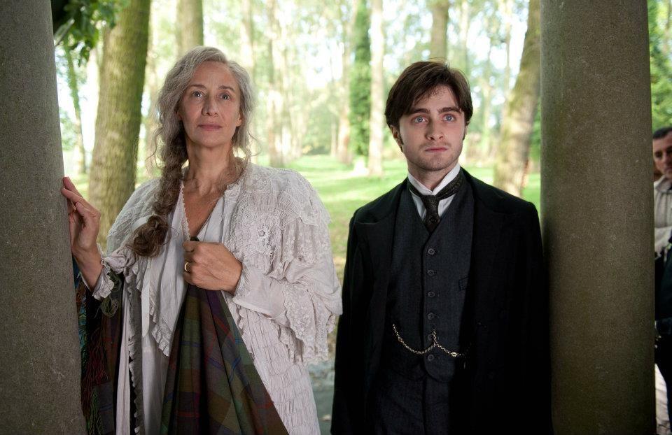 Arthur Kipps Daniel Radcliffe Und Mrs Daily Janet Mcteer The Woman In Black Daniel Radcliffe Janet Mcteer