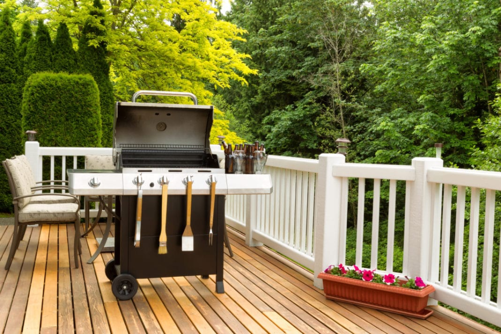 9 Ways To Clean Repair And Restore Your Old Outdoor Gas Grill In 2020 Gas Grill Backyard Design Backyard