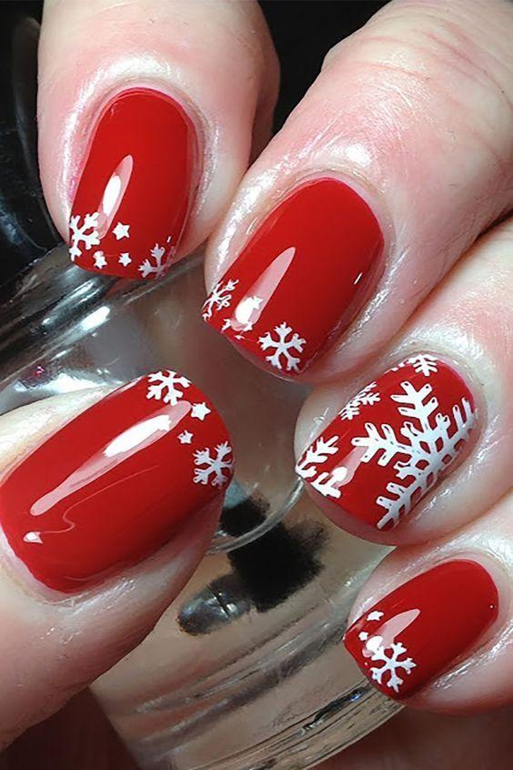 Red Christmas Snowflakes Nail Art; Christmas nails; cute