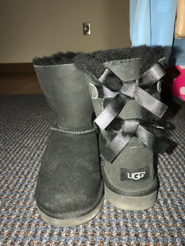 Girls UGG Bailey Bow Black Sheepskin