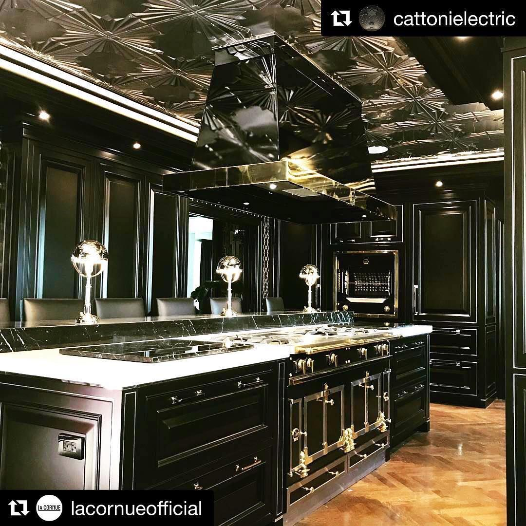 Empire Kitchen Bath On Instagram This Was Such A Unique Kitchen To Work On We The Elega Dream Kitchens Design Ornate Kitchen Kitchen Inspiration Design