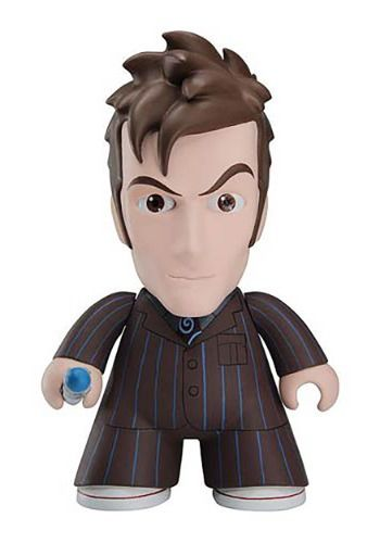 No Collection Is Complete Without This Doctor Who Titans 10th Doctor In Suit Vinyl Figure This Bbc Licensed Figure Wil Vinyl Figures Doctor Who 10 10th Doctor