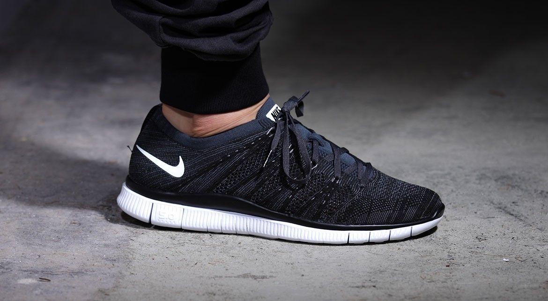 Nike Chaussures Flyknit Gratuit - Nsw Marché Maison En Noir Et Blanc