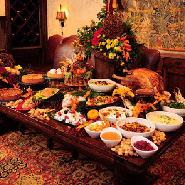 Thanksgiving Buffet Table Ideas.