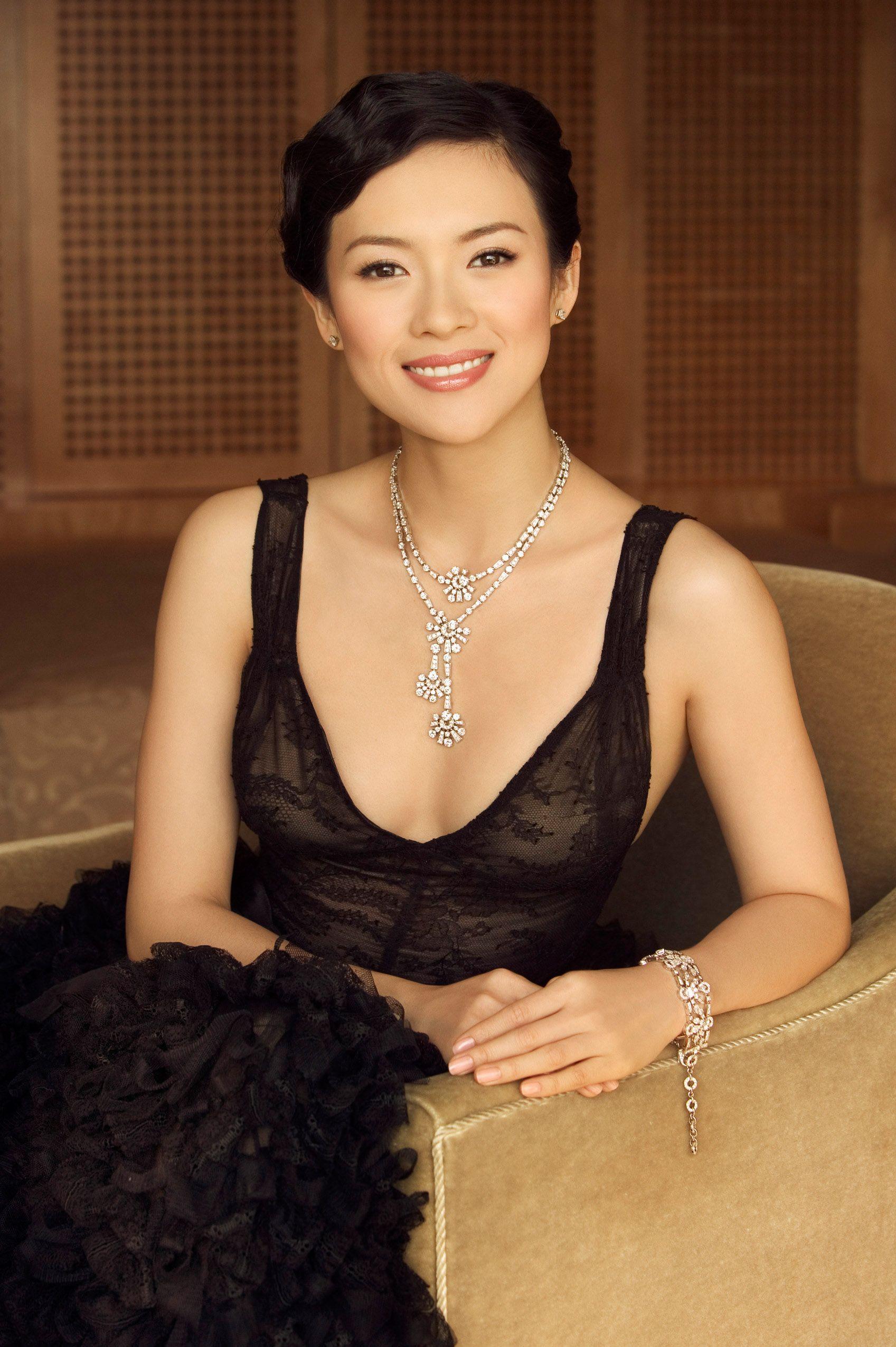 I think Zhang Ziyi is so pretty!