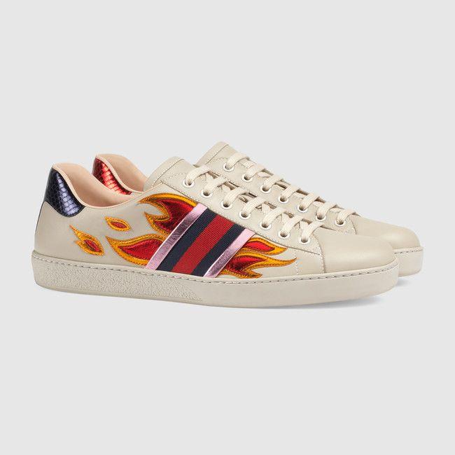 Gucci Sneaker bassa Ace con motivo fiamme
