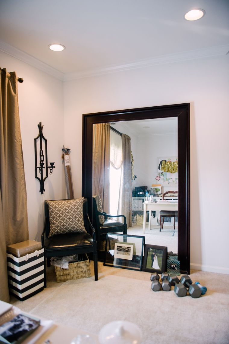 Giant mirror and black chair wow mirrors pinterest for Large mirror for bedroom wall