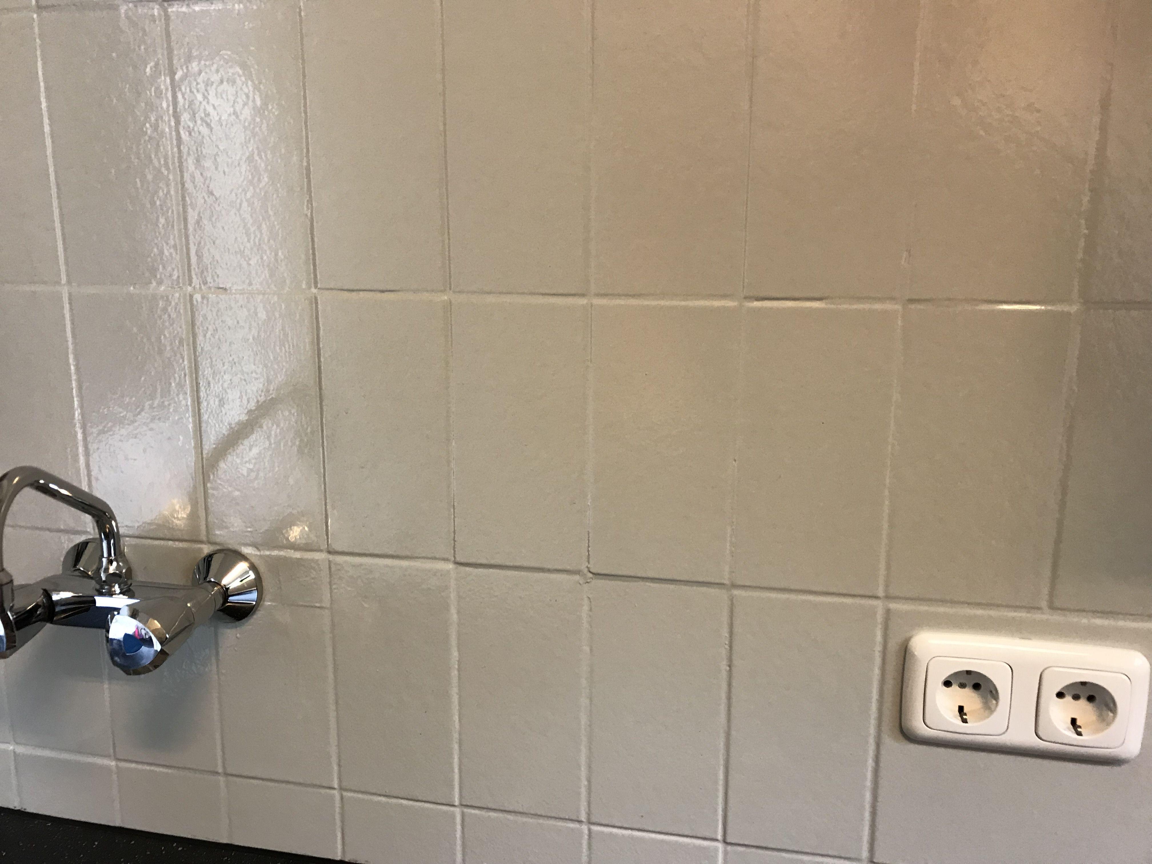 Welp Tegels verven met betonverf of muurverf is geen probleem - Tegels JI-67