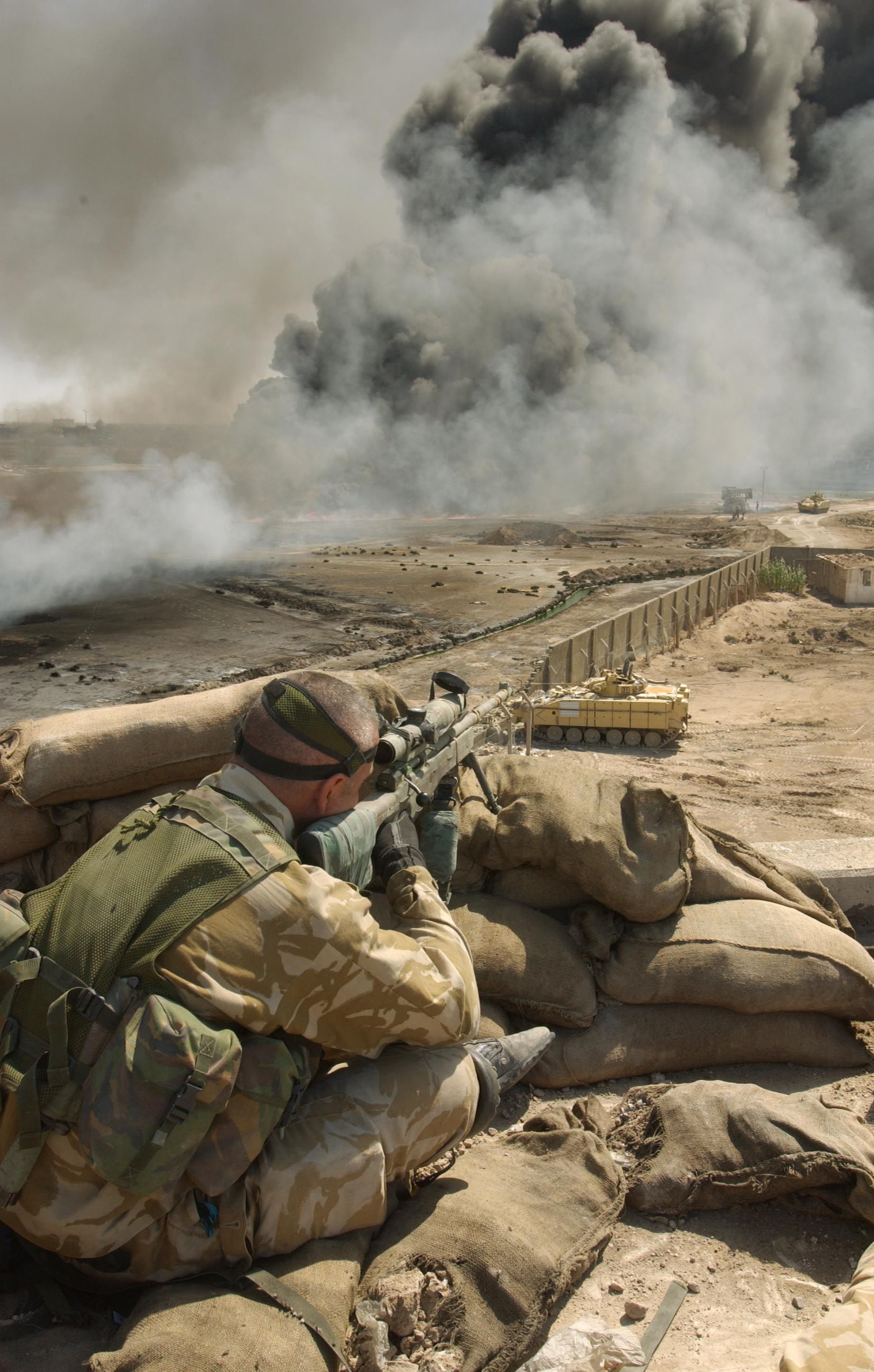 A British Sniper During The Invasion Of Iraq Army Photography Sniper Military Special Forces