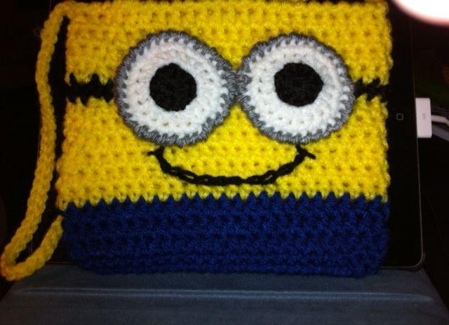 Crochet Minion Purse - DIY | Crochet minions, Crochet and Minion crochet