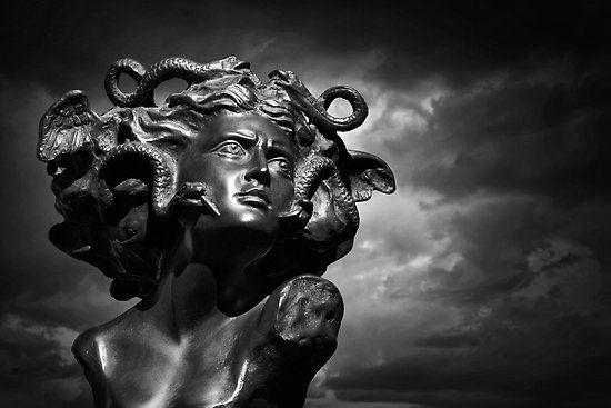 m duse opus 2 woman in myth medusa pinterest gorgone mythologie grecque et tatouage. Black Bedroom Furniture Sets. Home Design Ideas