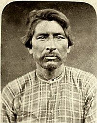 Stereoview (circa 1873) of Donald McKay, captain of the Warm Spring Indian scouts during the Modoc War (1872-1873). Photographer: Louis Heller, Yreka, California. http://iroquoisbeadwork.blogspot.fr/2013_01_01_archive.html