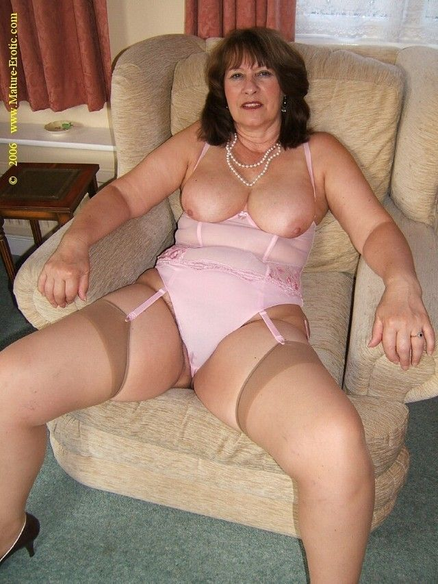 Mature in granny panties