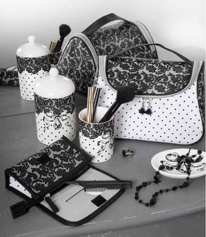 Trousse de toilette Black and white Mathilde M - Lilie Rose Déco ...