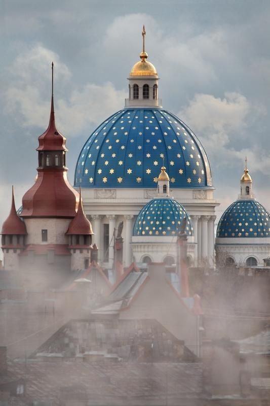 Trinity Cathedral - St. Petersburg, Russia ...colours reminiscent of the american flag...very nice shot