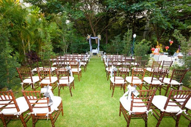 Beach Wedding Ceremony Oahu: Kailua, Oahu Wedding Venue