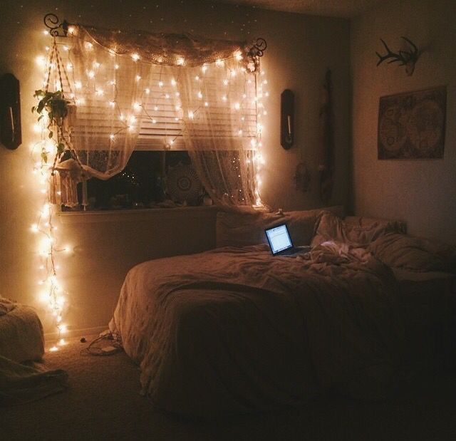 This room is soooo Cute and I sort of want to  make my room look like this.... Maybe.