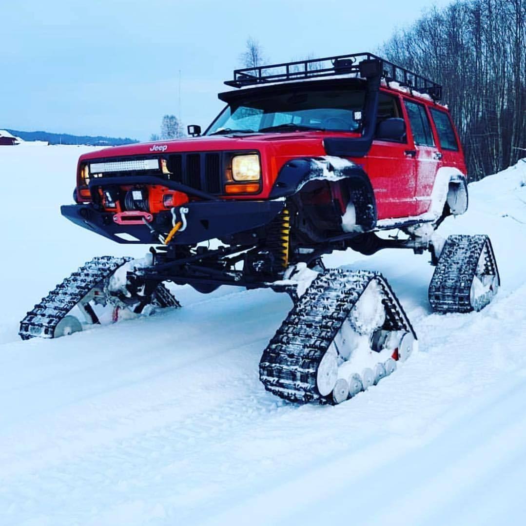 Nothin To See Here Www Jeepbeef Com Martinskyman34 Winterwheeling Jeep Jeepxj Cherokee Tracks Jeep Xj Jeep Xj Mods Badass Jeep