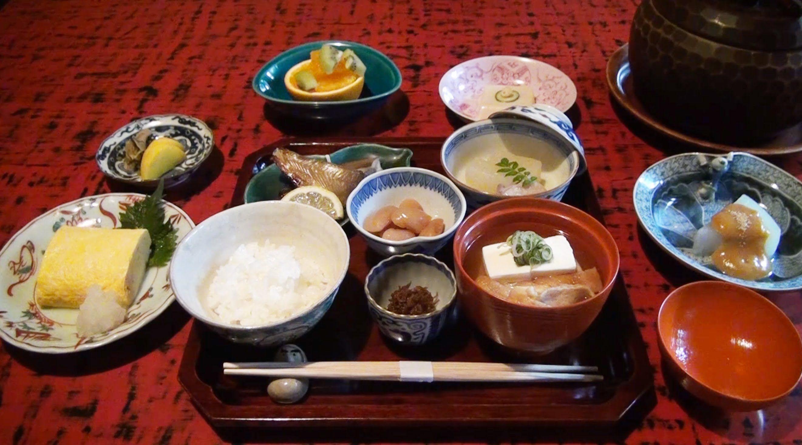 Breakfast of Traditional restaurant, 懐石 近又. Need reservation. Web site : http://www.kinmata.com/