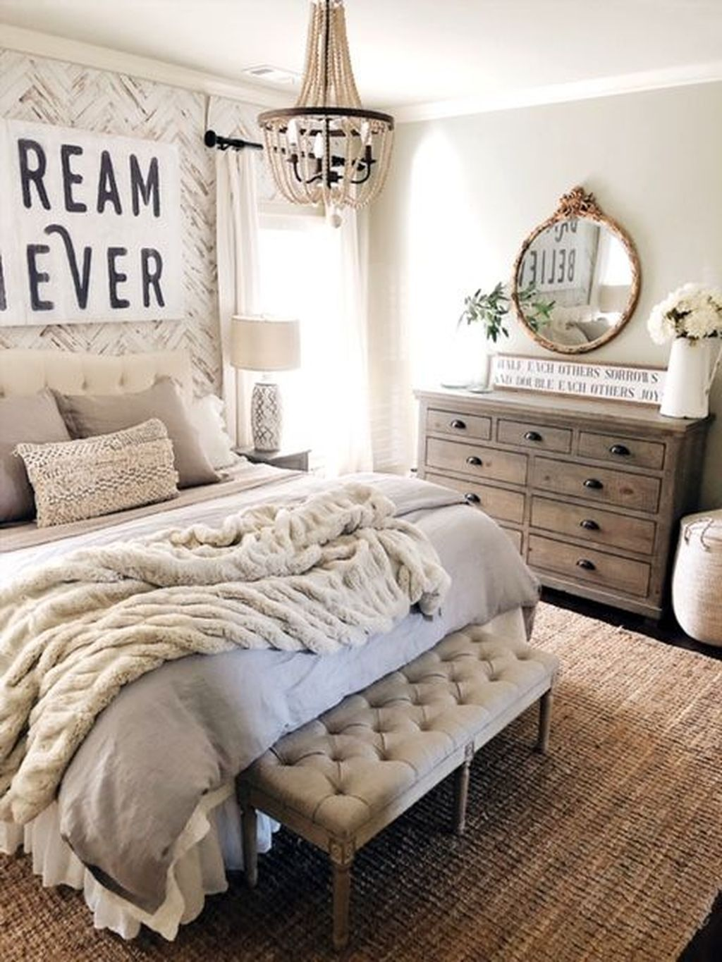 Lovely Farmhouse Style Master Bedroom Ideas That Will Impress You Romantic Bedroom Decor Farmhouse Bedroom Decor Farm House Living Room