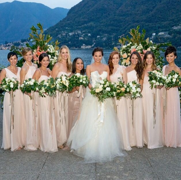 A Celebrity Florist S Guide To The Best Wedding Flowers Of: Chrissy Teigen's Bridesmaids