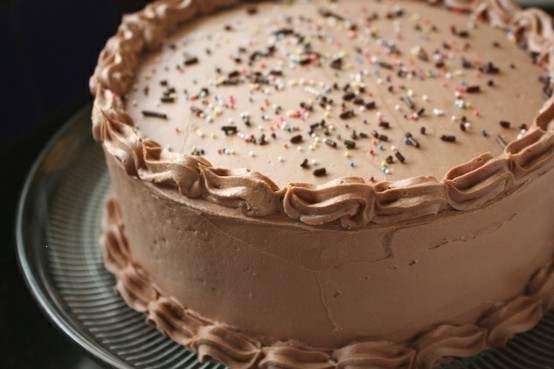 HOW TO PERFECTLY LAYER A CAKE