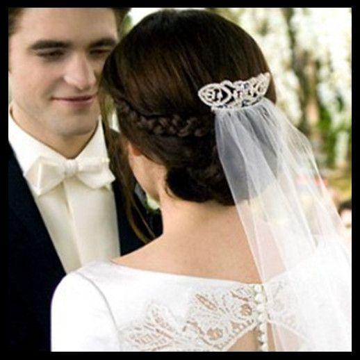 Bella Swan S Wedding Hairstyle Haircomb And Veil Idea