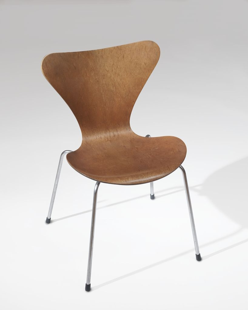 Arne Jacobsen 3107 Chair--the improved ant chair with 4 legs, more stable