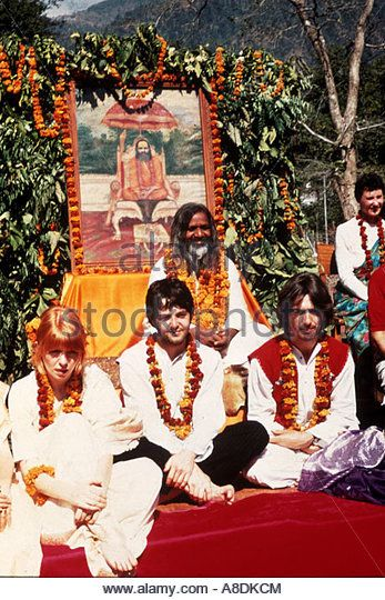 Beatles In India In1968 From L Jane Asher Paul Mccartney Maharishi Yoga And George Harrison Stock Image Beatles White Album The Beatles