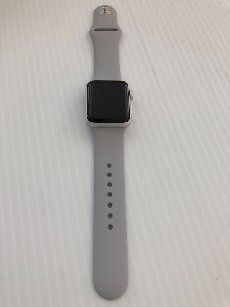 Apple Watch Series 3 Silver Aluminium 38mm Case With Fog Sport Band Ebay Link Apple Watch Apple Watch Series 3 Apple