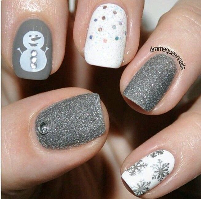 Do you want to paint a snowman? Xmas Nails Pinterest Xmas nails