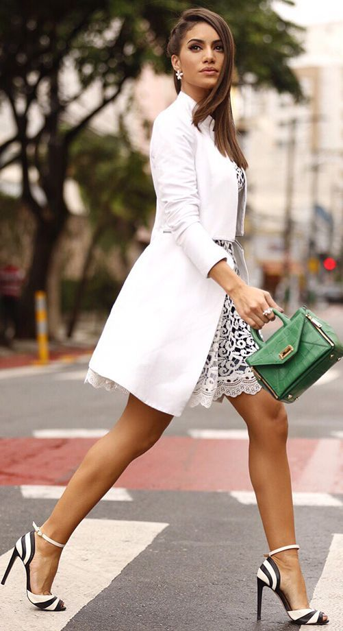 Camila Coelho Touch Of Green On Black And White Chic Fall Streetstyle Inspo