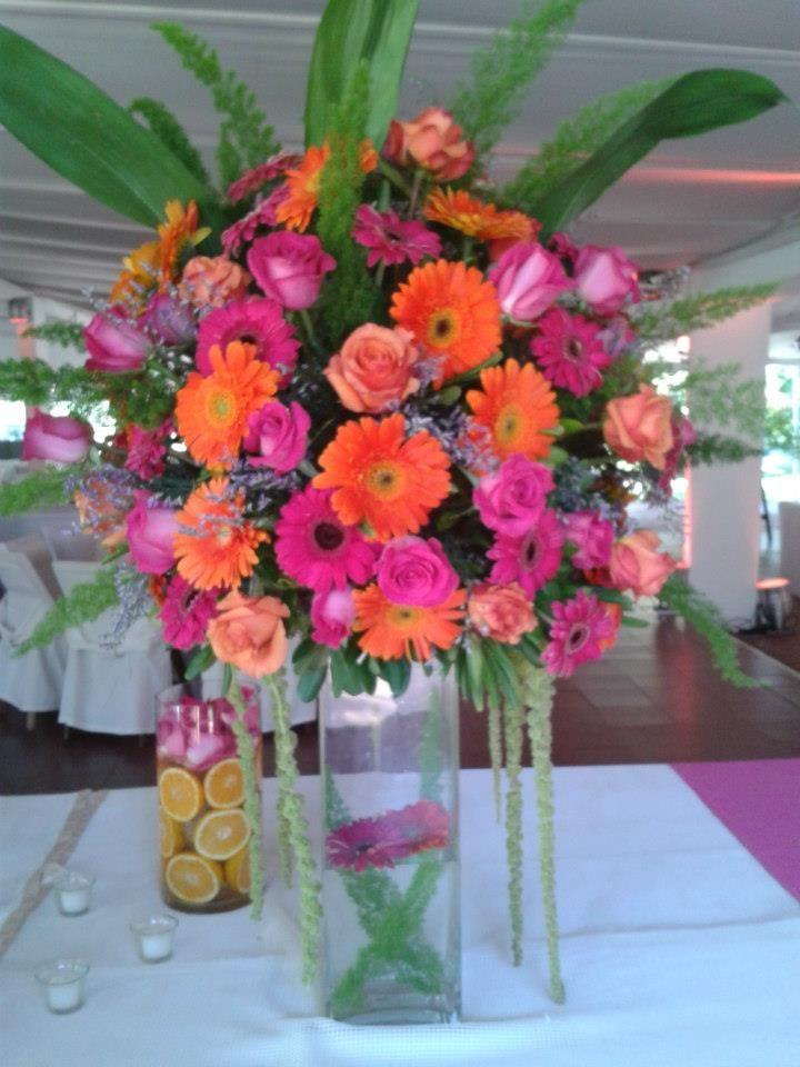Centro de mesa multicolor para fiesta de 15 a os let 39 s - Centros de mesa para 15 anos ...