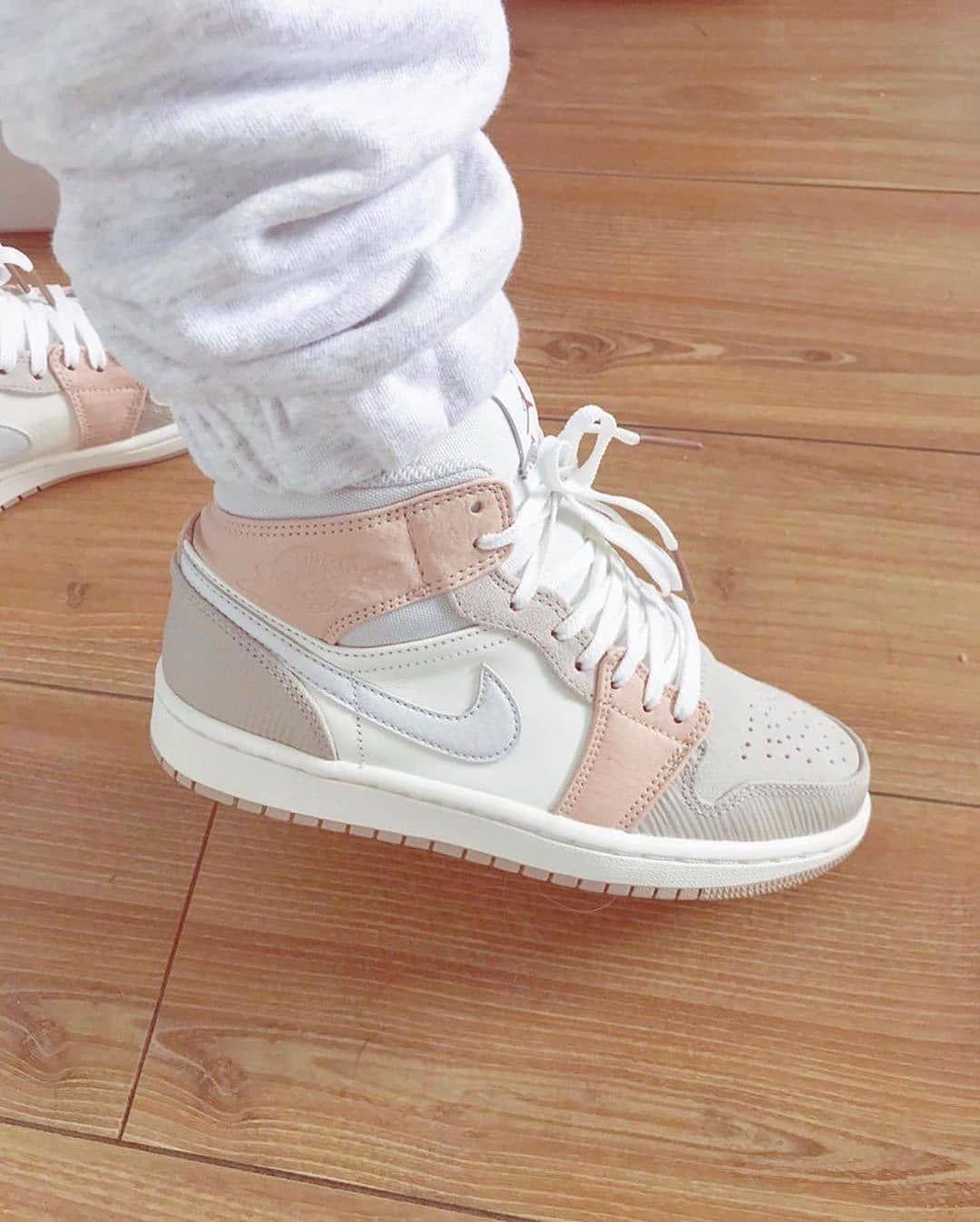 """Sneaker Shop on Instagram """"👟Jordan 1 Milan🤩 Pedidos"""