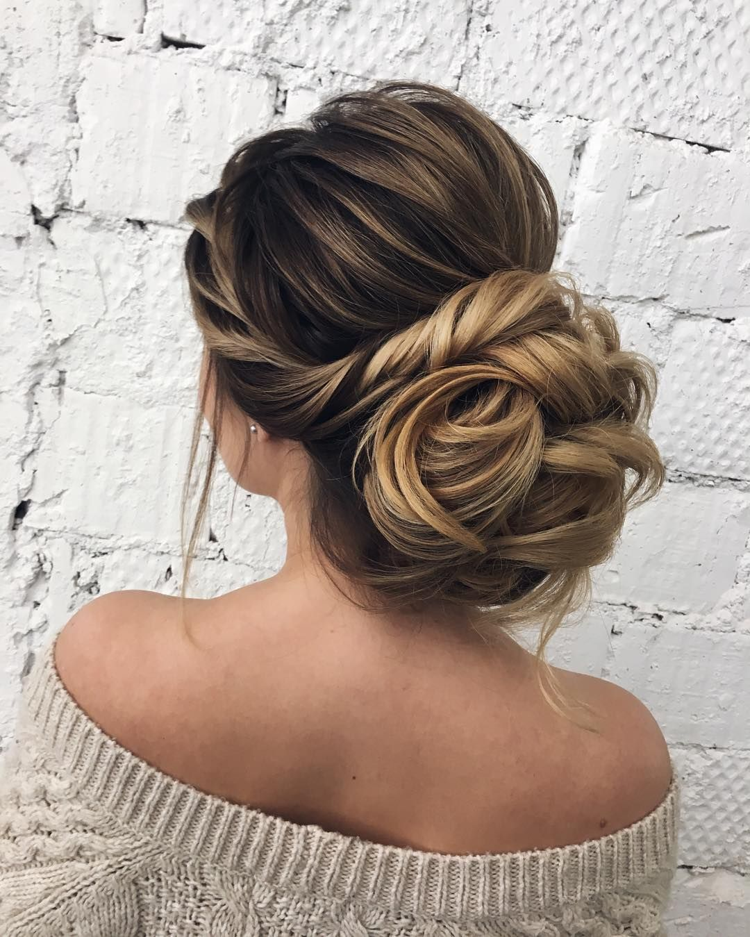 Fabulous Wedding Hairstyles For Every Wedding Dress Neckline
