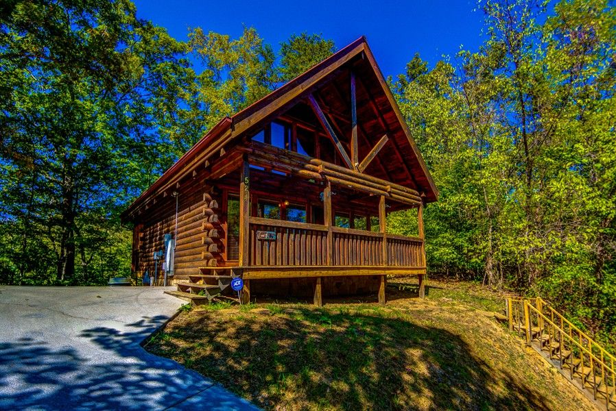 smokey mountains smoky rentals tn one cabinlist bedroom forge pigeon gatlinburg in cabins cabin