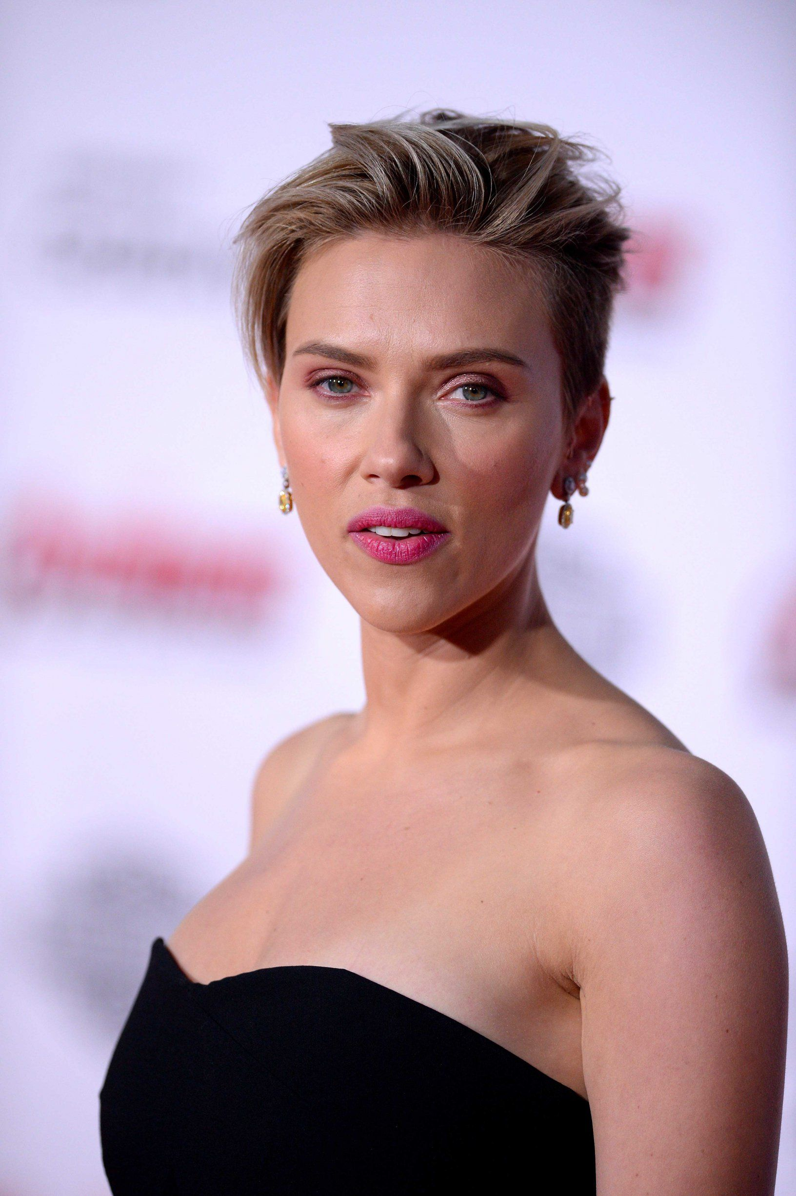 Famoso Scarlett Johansson Vestido De Novia Friso - Colección de ...